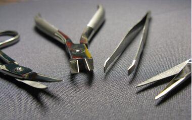 Нагар на маникюрных инструментах: что с этим делать?